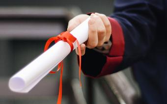 Hochschule für Wirtschaft FHNW vergibt 180 Master- und Bachelor-Diplome