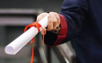 Hochschule für Wirtschaft FHNW vergibt 192 Master- und Bachelor-Diplome