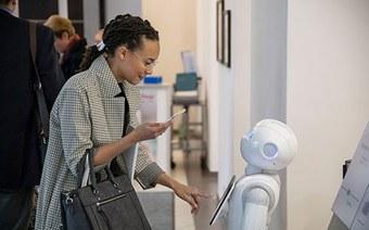 Neues Forschungsprojekt: Roboter, Empathie und Emotionen