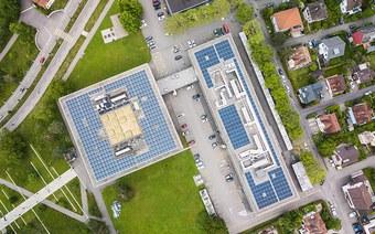 Neue Photovoltaik-Anlage auf dem FHNW Campus Brugg-Windisch