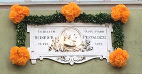Tafel an der Hauptstrasse 39, Brugg, wo J.H. Pestalozzi starb