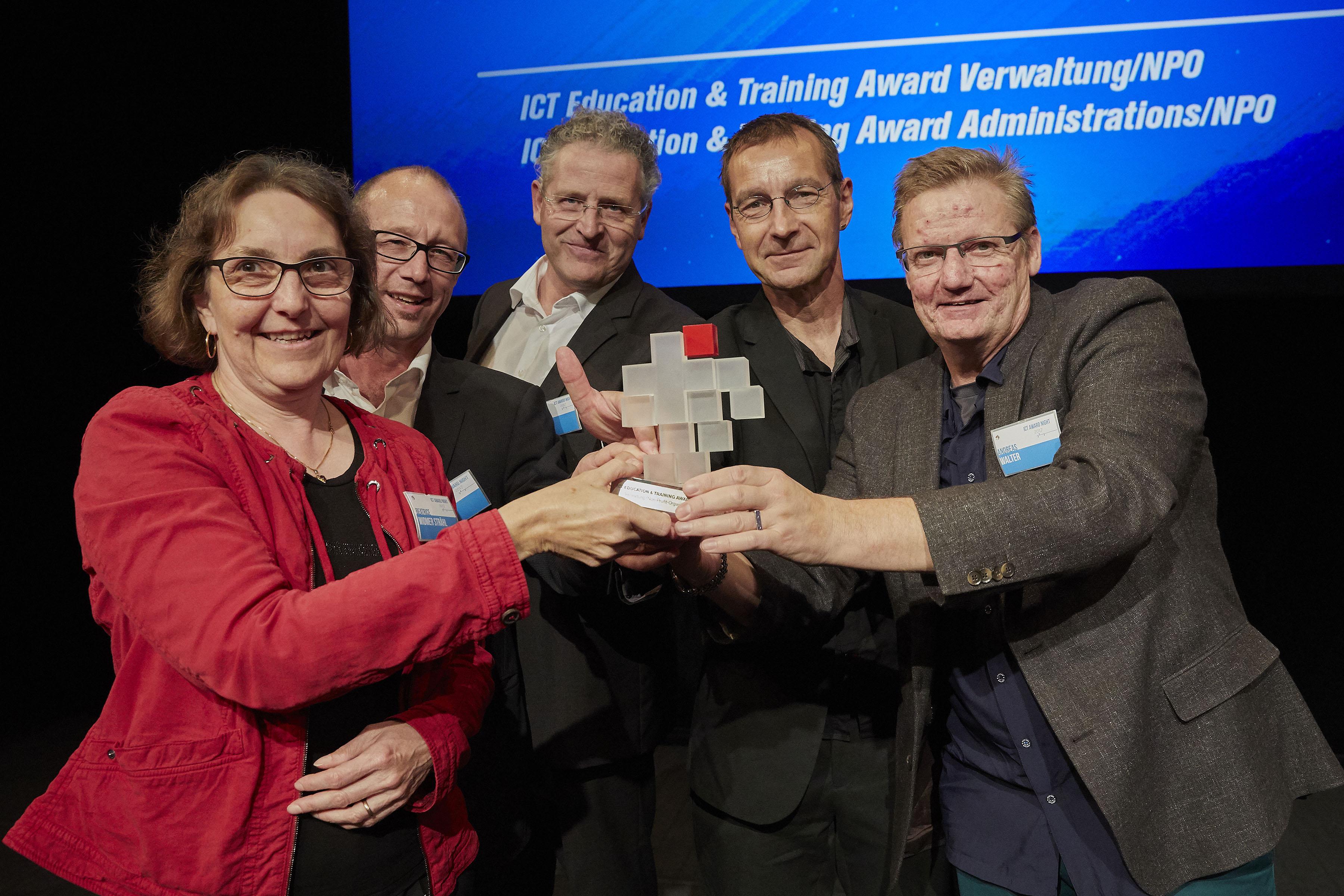 Die Gewinner-Truppe vom ICT-Award