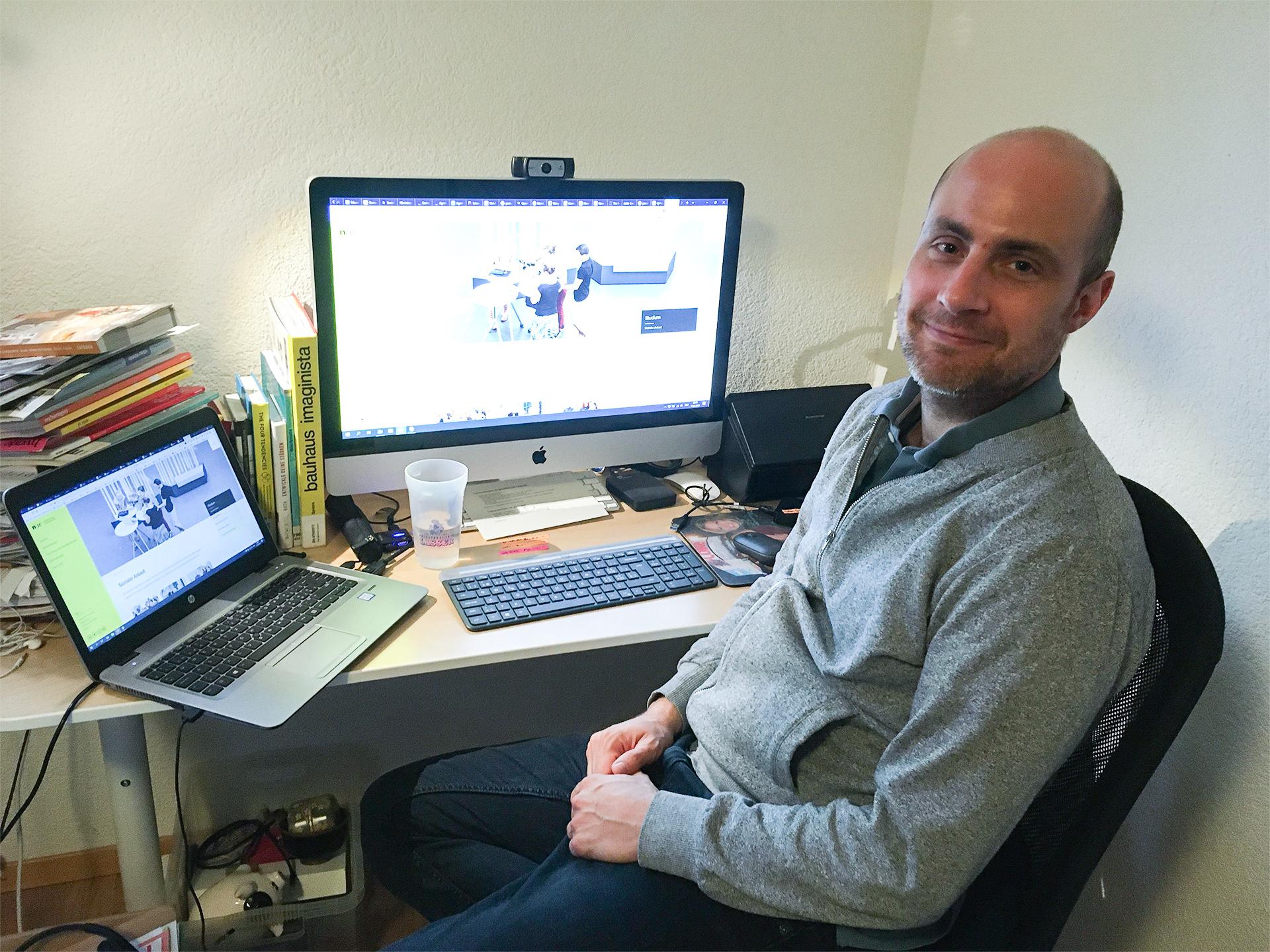 Dominik Tschopp im Home Office