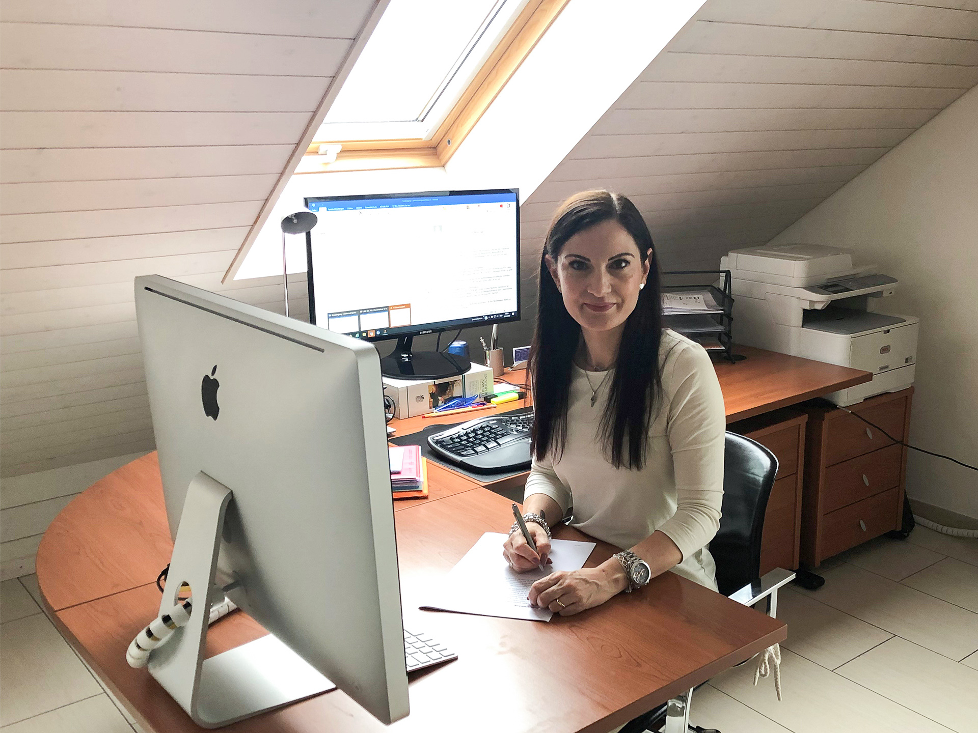 Evelin Rodriguez im Home Office