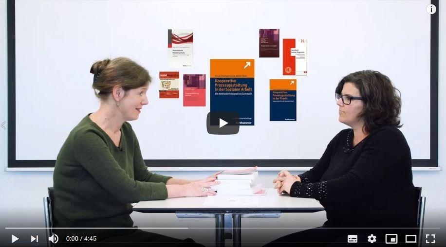 Bildausschnitt aus dem Erklärvideo von Raphaela Sprenger und Ursula Hochuli Freund im Gespräch.