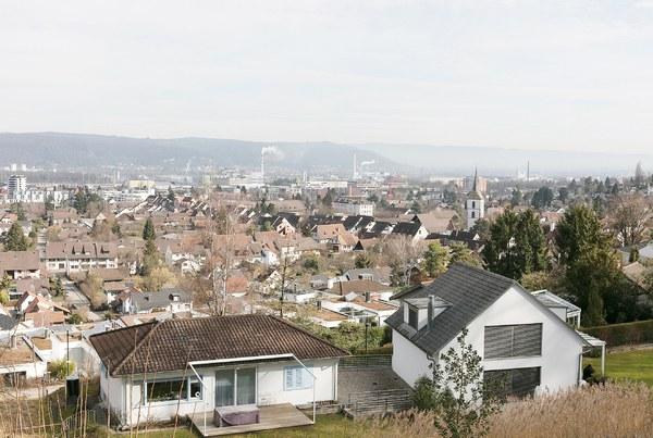 Quartierübersicht von der Anhöhe in Muttenz.