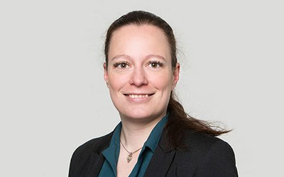 Dr. Anna Caroni