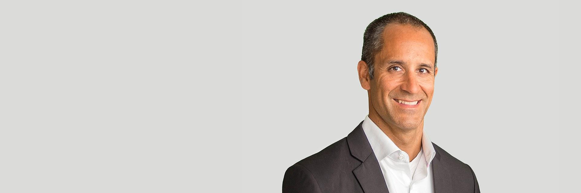 Dr. Dominik Reust
