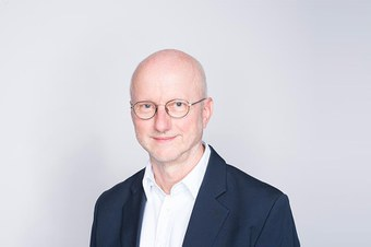 Dr. Dominik Sauerländer