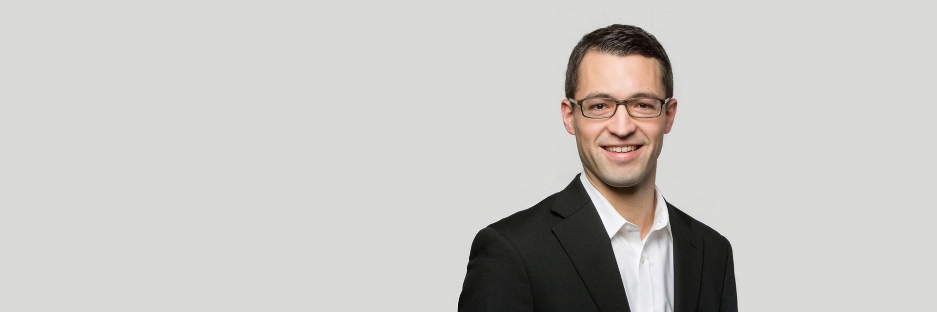 Dr. Fabian Schmid