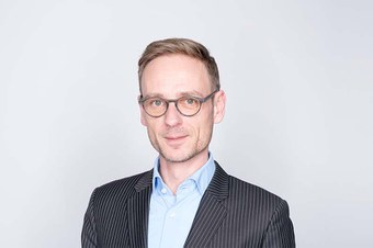 Dr. Frederik Herman