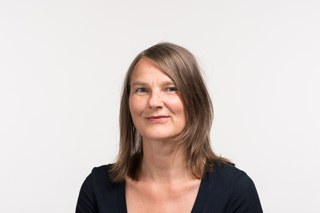 Dr. Yvonne Volkart