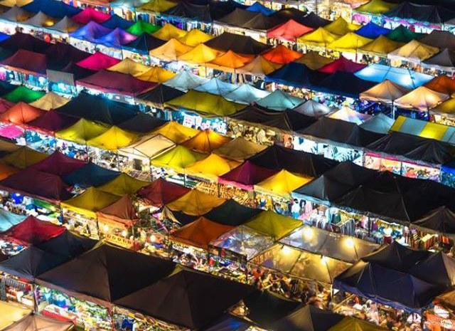 11_exploreasean-night-market.jpg