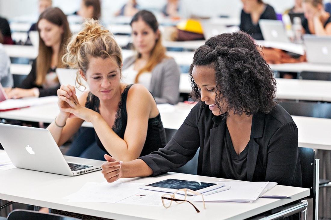 Informationsveranstaltungen finden regelmässig in Olten und Muttenz statt. Das Bachelor-Studium wird umfassend präsentiert und es besteht Raum für Fragen. Die Teilnahme an einer Informationsveranstaltung wird für die Anmeldung zum Bachelor-Studium an der Hochschule für Soziale Arbeit FHNW vorausgesetzt.