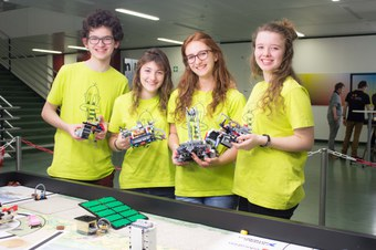 Children in the robotics competition run by FHNW School of Engineering