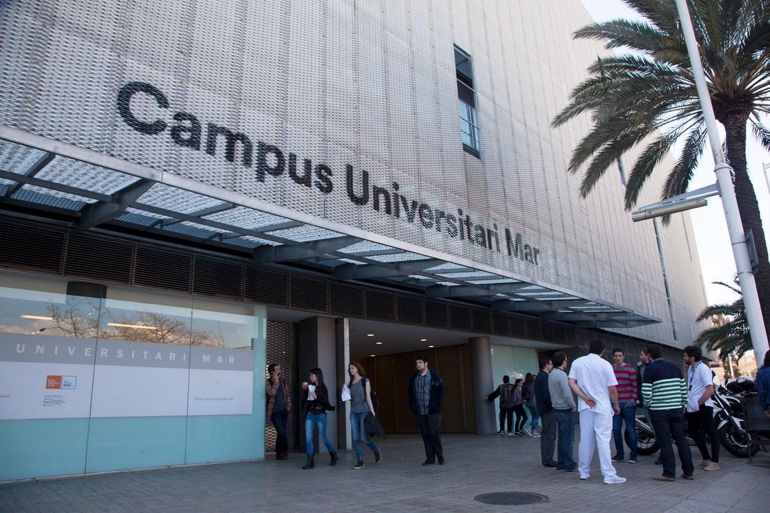 01_campus_aussen.jpg