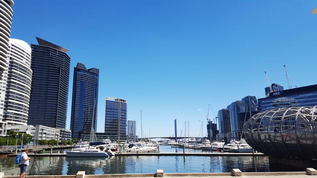 03_Melbourne_center.jpg