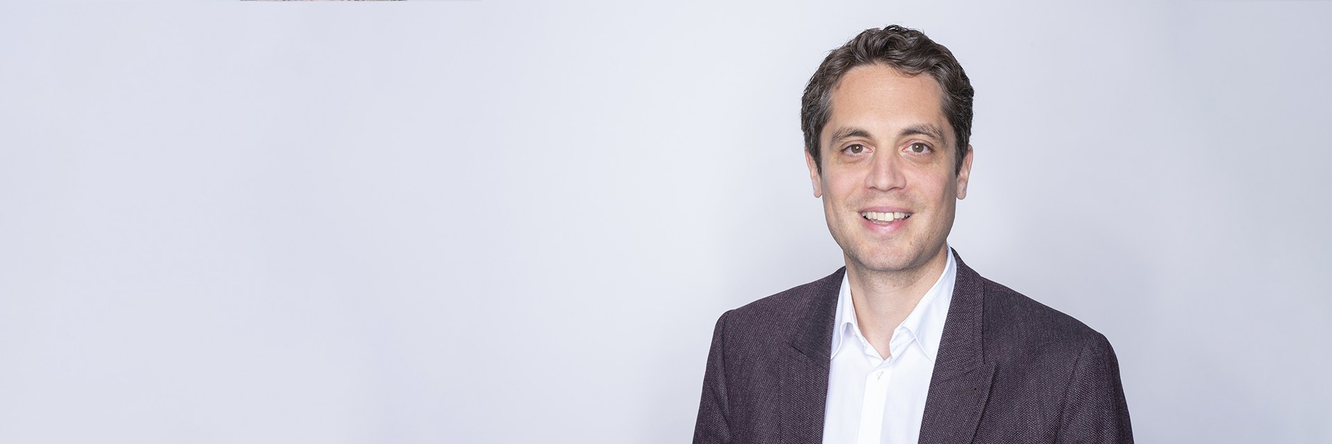 Dr. Caspar Battegay