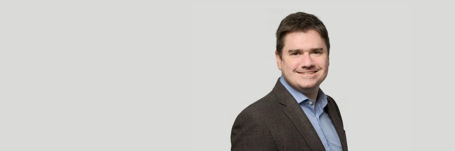 Dr. Stefan Güntert