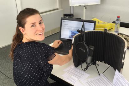 Sarah Werthmüller recording a Video Tutorial for Zentrum Schreiben
